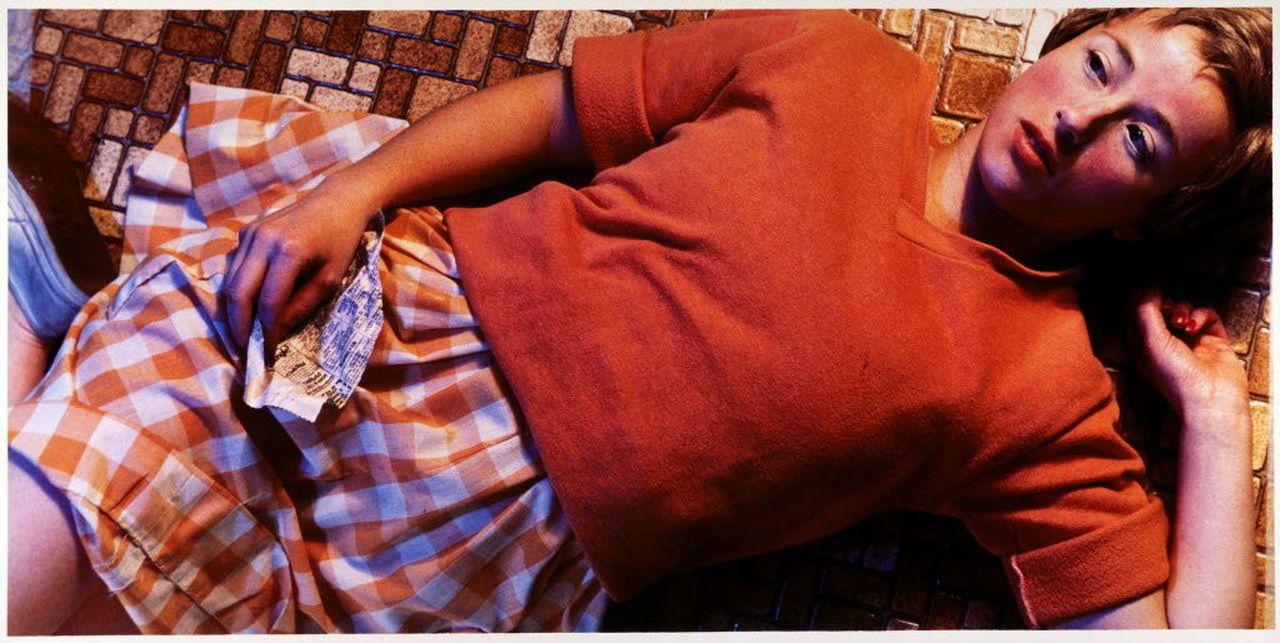 untitled-96, синди шерман, cindy sherman, orange sweater, оранжевый свитер, автопортрет, фотографии, фотоработы