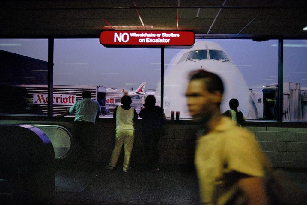 harry gruyaert, airports, гарри груйер, last call, фотосерия, интервью, аэропорт, аэропорты, фотографии аэропортов, художественные фотографии аэропортов, фотограф, подкаст, подкаст о фотографии, фотоискусство, авторская фотография